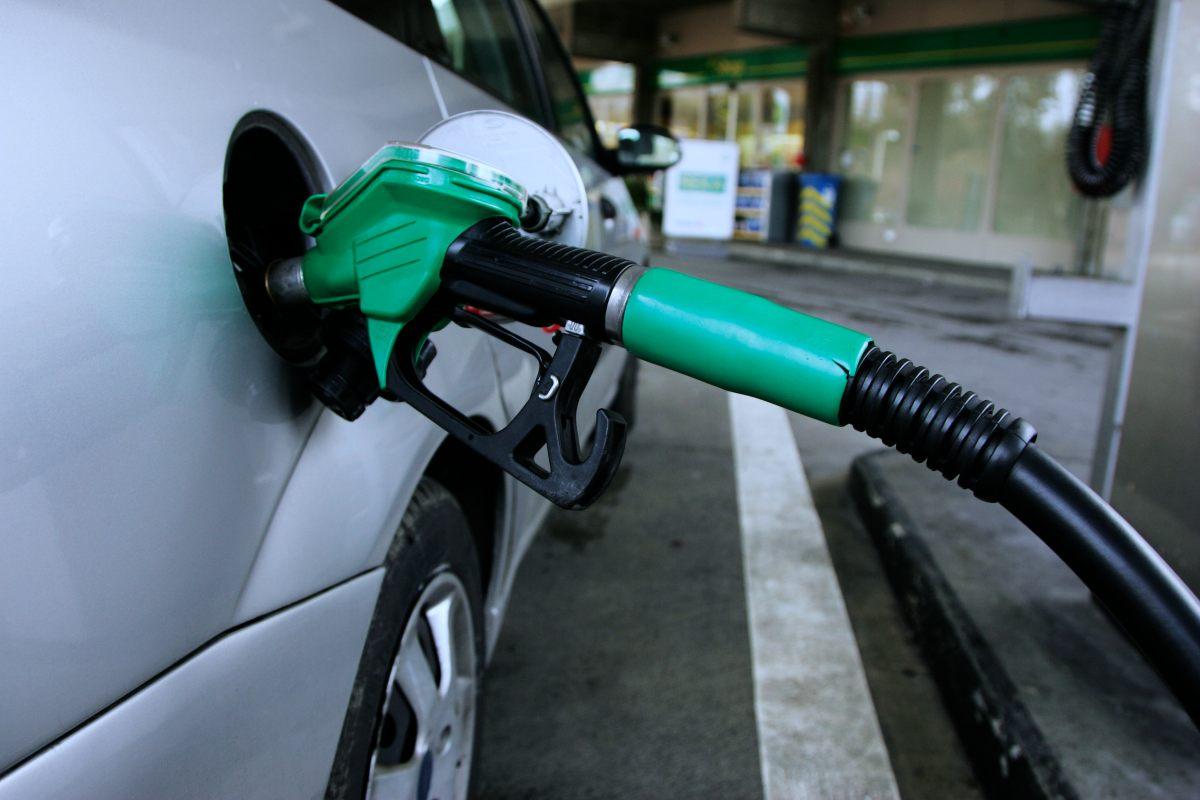 Cómo ahorrar combustible apuntándose a la compra colectiva