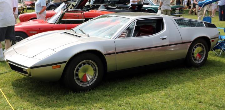 Maserati bora.jpg