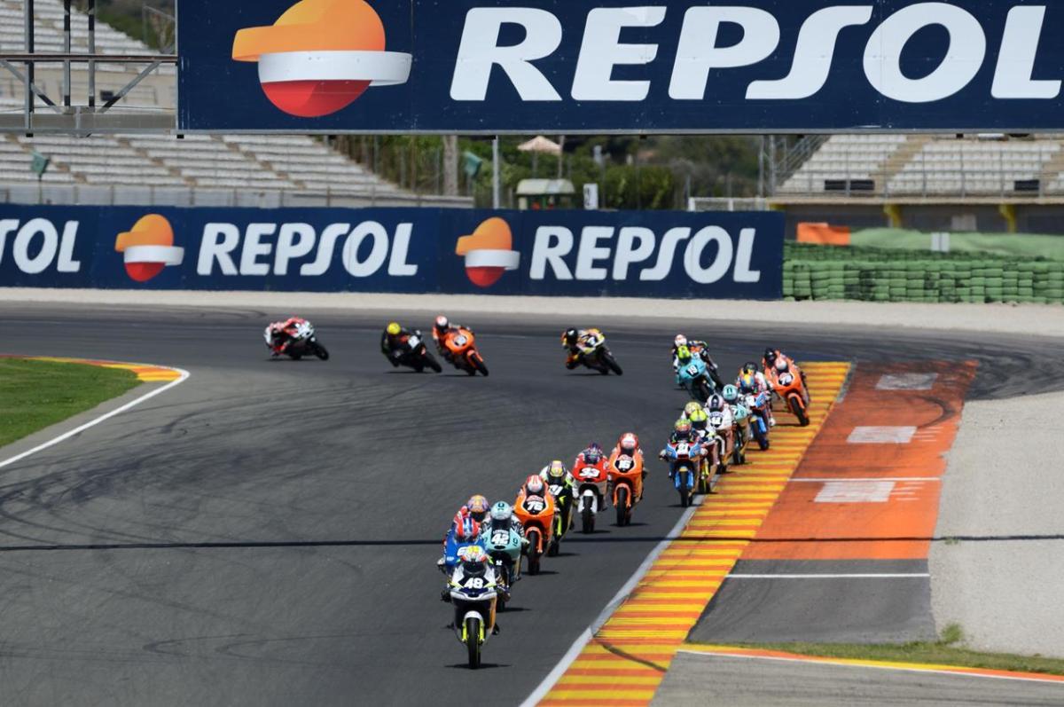 Ramírez y Dalla Porta se juegan el título de Moto 3 en Cheste
